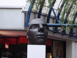Grand Head