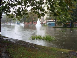 Avon River between Worcester and Gloucester Streets.