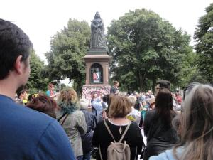 The banner on Queen Vic's statue said 'Wahine Unite'