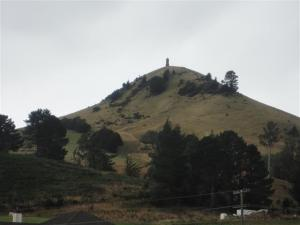 cairn-erected-to-sir-john-mckenzie-on-puketapu-hill-small