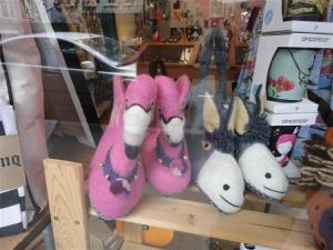 flamingo-slippers-small
